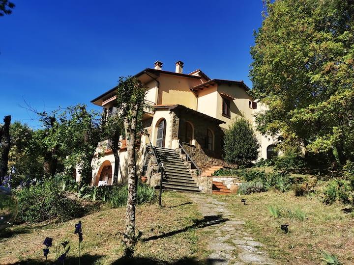 Villa Rosanna - panorama e boschi vicino a Firenze