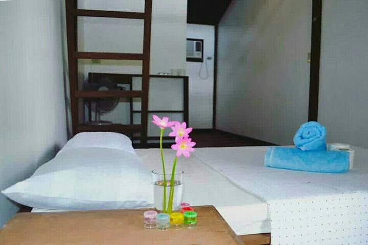 Sunflower House Siargao Room n. 2a