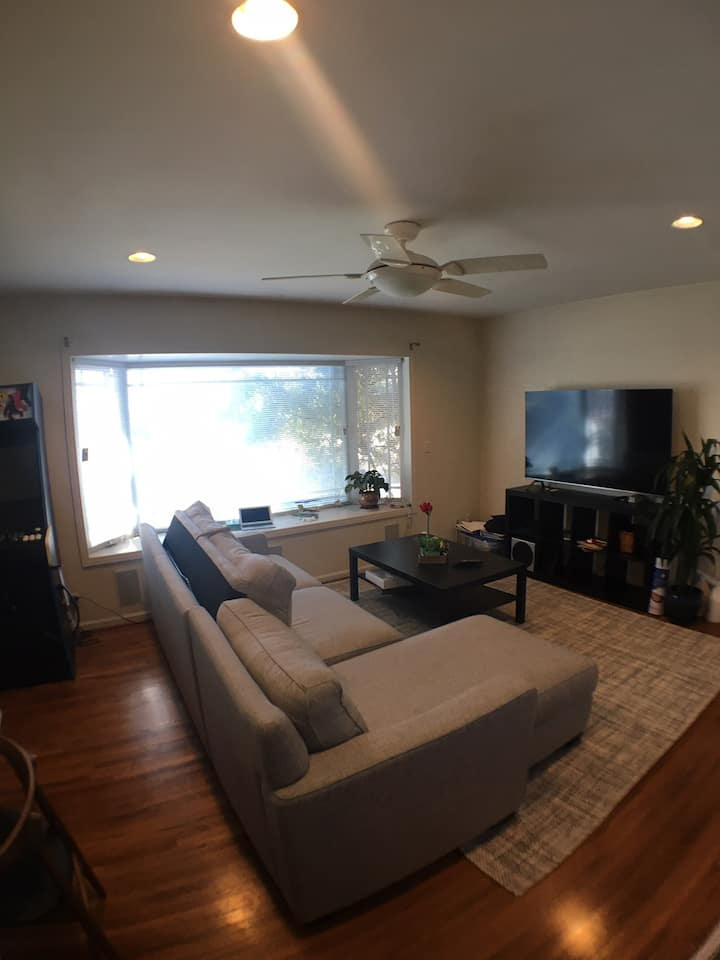 1BD + 1 and a half bath, Venice / Santa Monica