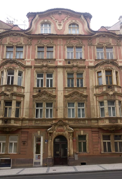 Modern apartment in heart of prague apartments for rent for Design apartment in prague 6