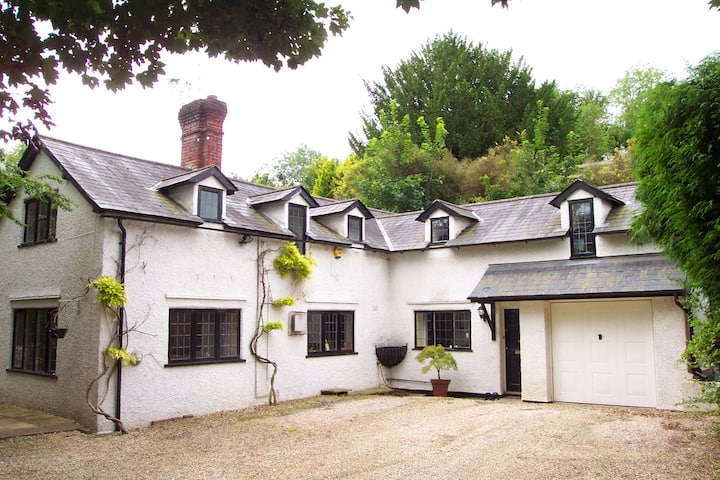 Wisteria Cottage ( King Room), Fairmile, Henley