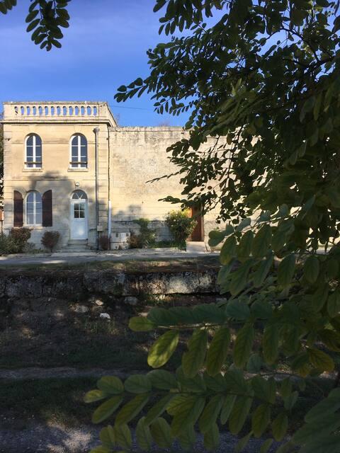 Vakantiewoning in Le Vert, 100 km van Parijs, platteland