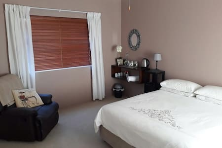 Comfortable room in the heart of the Western Cape - Cape Town - House