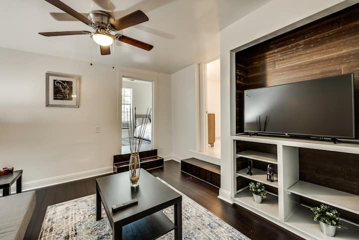 Cozy and Private Suite on Elsbeth St