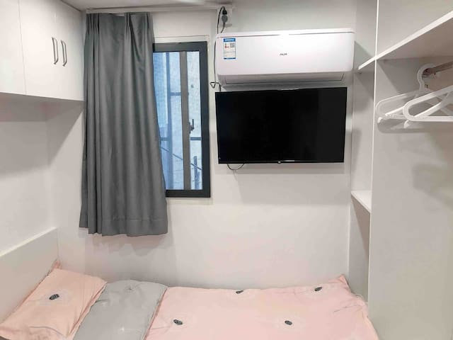 外滩 地铁2号线 南京东路步行街 上海外滩美术馆 舒适一居室