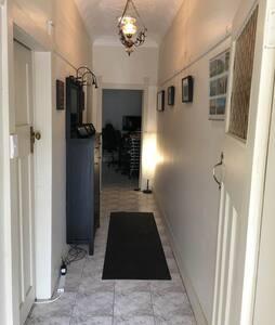 Room in charming home - Croydon Park