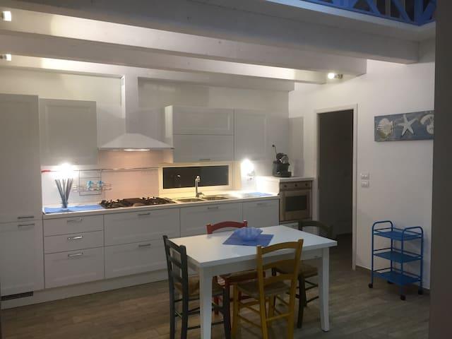 Affascinante CASA a 30 M dal MARE - Marina di Gioiosa Ionica - Dům