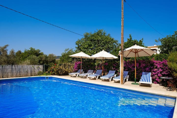 Villa with 4 bedrooms in Sant Miquel de Balansat, with private pool, furnished terrace and WiFi - 5 km from the beach