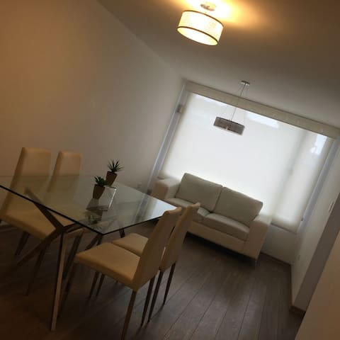 SUITE NEAR TO SHOPPING MALLS