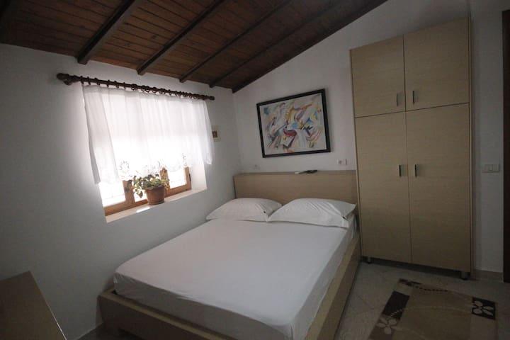 Hotel Osumi Room 9 - Berat - Гестхаус