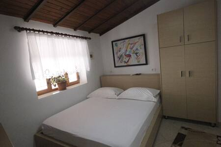 Hotel Osumi Room 9 - Berat - Bed & Breakfast