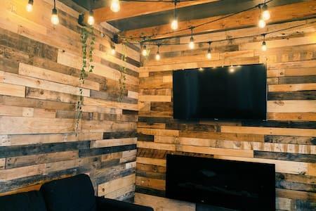 LNSNG LXRY | Sauna + Rainshower Head + Fireplace