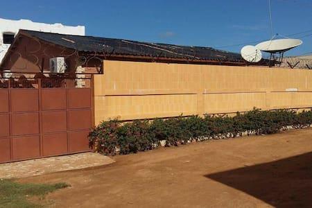 Spacious villa near Senegambia - House