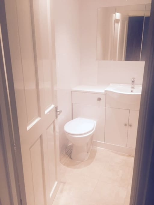 A good sized bathroom for all your toiletries and vanity requirements!