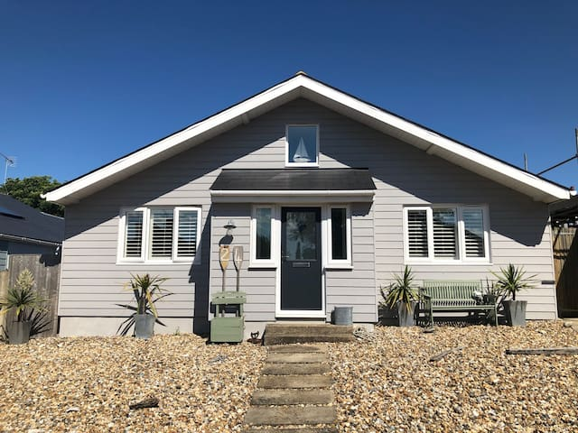 Whitstable double/twin rooms near beach + parking