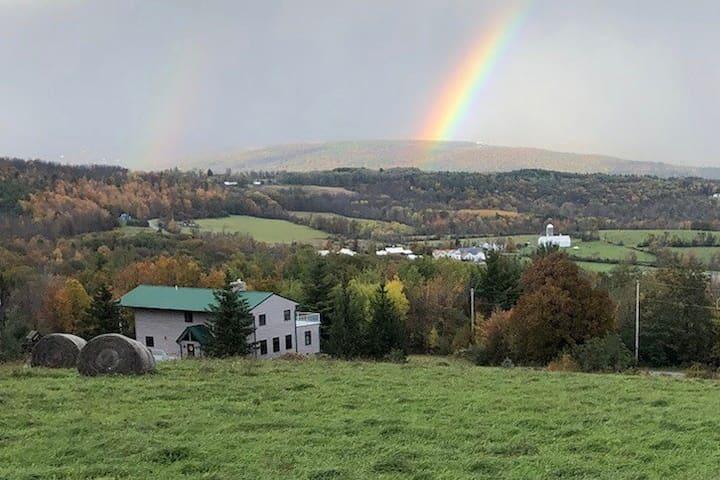 Stunning Catskill Mtn Getaway near Ski Windham