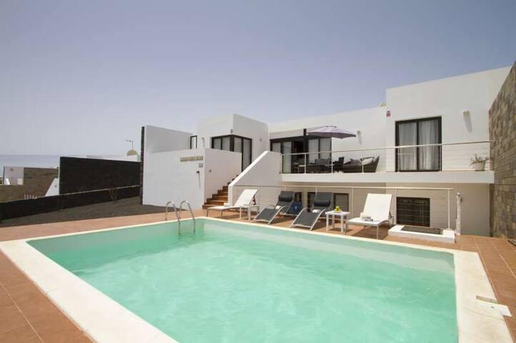 Villa ZIWAI in Playa Blanca for 8 p - Playa Blanca - Villa