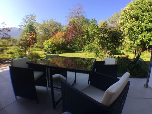 Rare, cosy studio terrasse au coeur de St-Jorioz