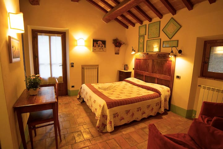 Pietreta. Independent double room in old farmhouse