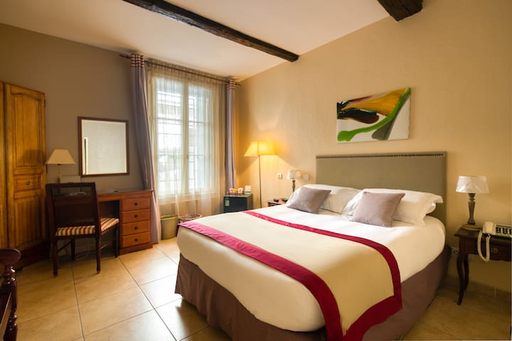 Hôtel Aragon 3* Classic Room - B&B Offer