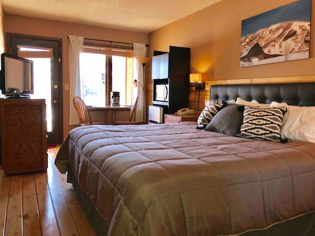 Resort Style/King Suite Granby Ranch, WP & RMNP 54