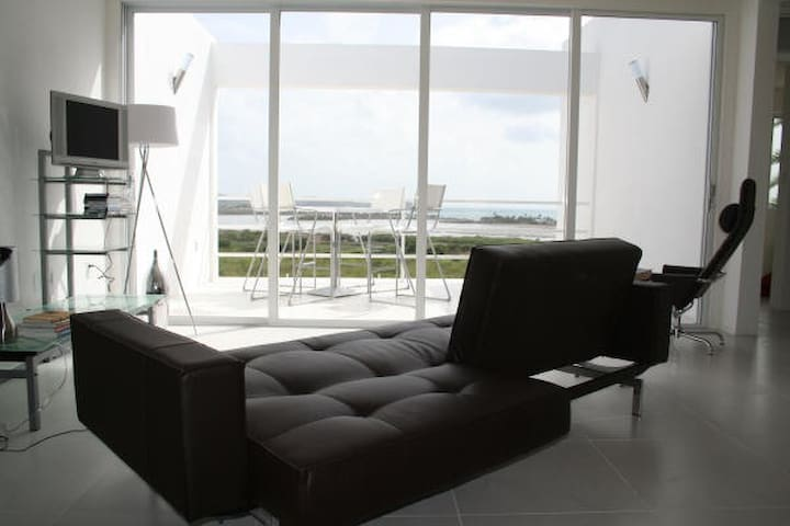 A View To Life Awaits You! - St. John's - Appartement