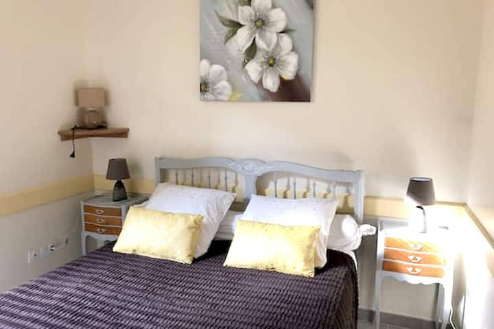 Apartment with one bedroom in La Ferrière-aux-Étangs, with WiFi - 80 km from the beach