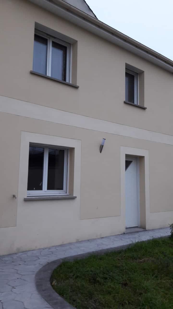 Duplex 3pcs indépendant dans une maison à Antony