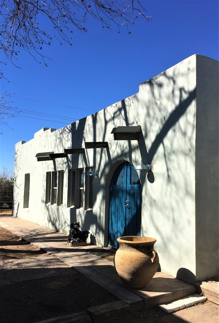 Mesilla home,  kids and dogs welcome!