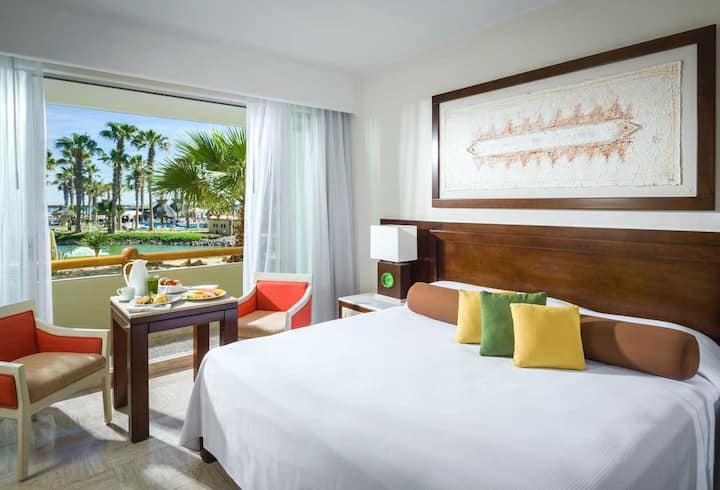 Luxury Suite in Vidanta Resort Puerto Peñasco
