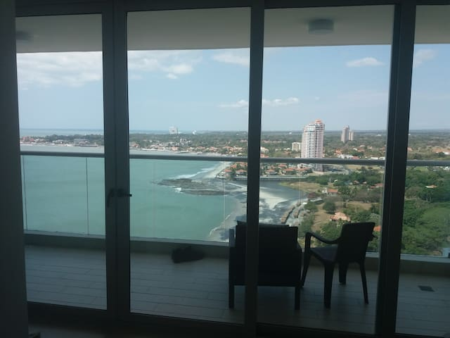 Beach get away- Apartment PH Bahia 21st floor