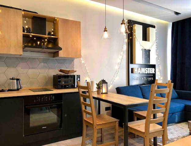 Funky top-floor apartment at new res complex