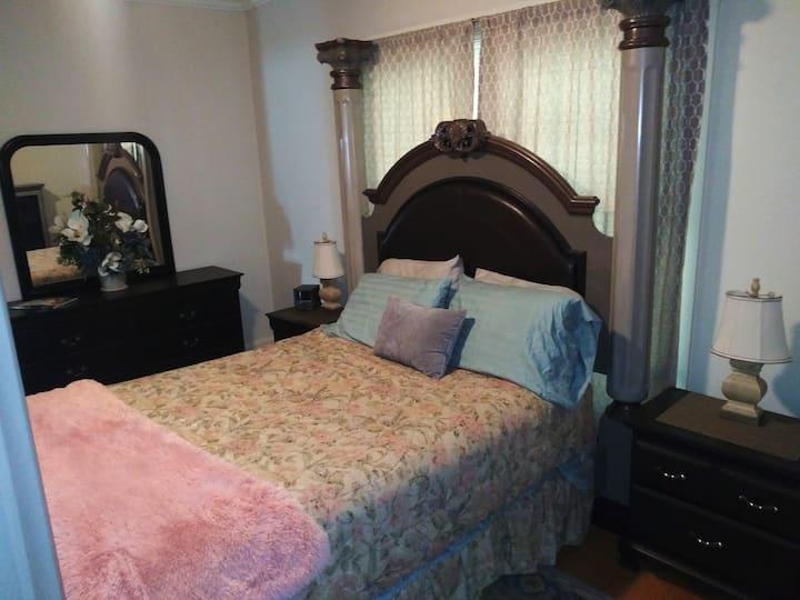 City Plex West #2 - 1 Bedroom 1 Bathroom Sleeps 4