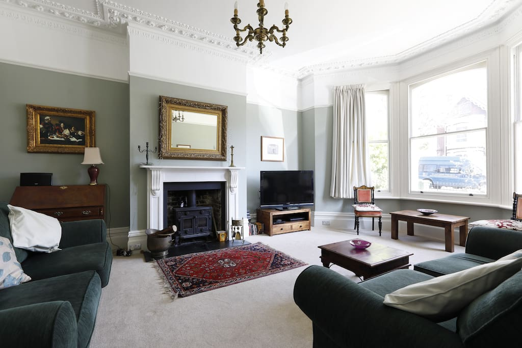 Additional reception room with  tv and dvd player