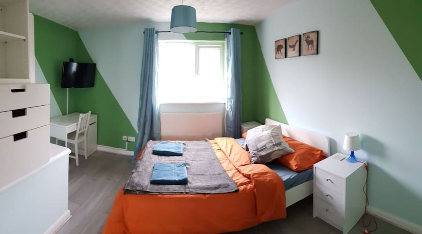 Close To Town, 2 BR House, Newly Refurbished