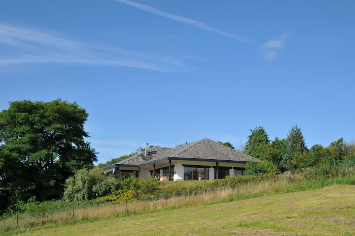 Cozy Holiday Home in Somme-Leuze with Sauna