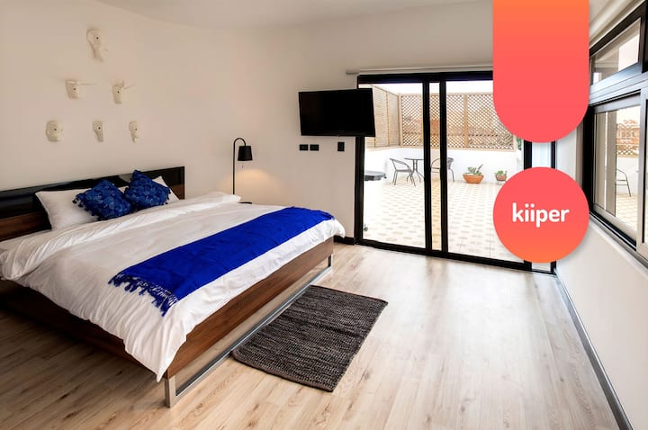kiiper | Spectacular Studio with Terrace | 2PPL