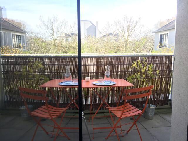 Chambre avec terrasse proche du centre ville