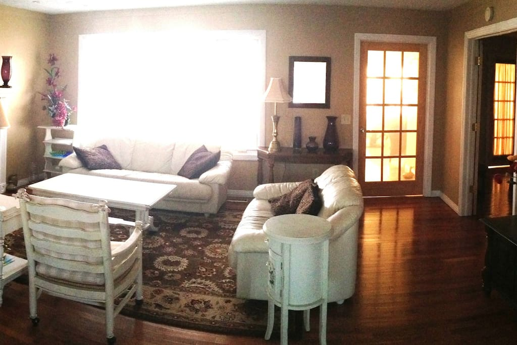 Panorama view of living room...