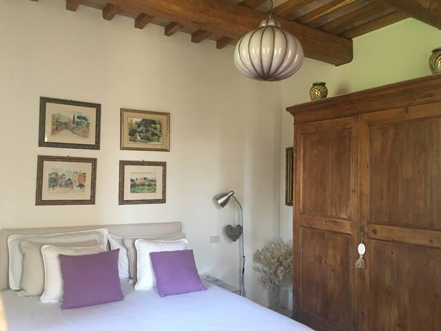 Accogliente stanza / Toscana
