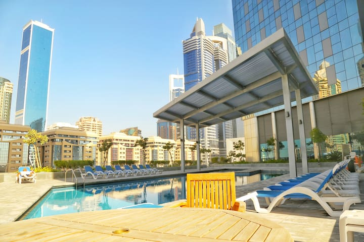 Luxurious and spacious 2BR in Central Park DIFC