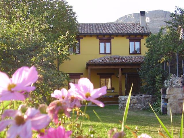 Casa Rural El Hidalgo en Amaya - Amaya - House