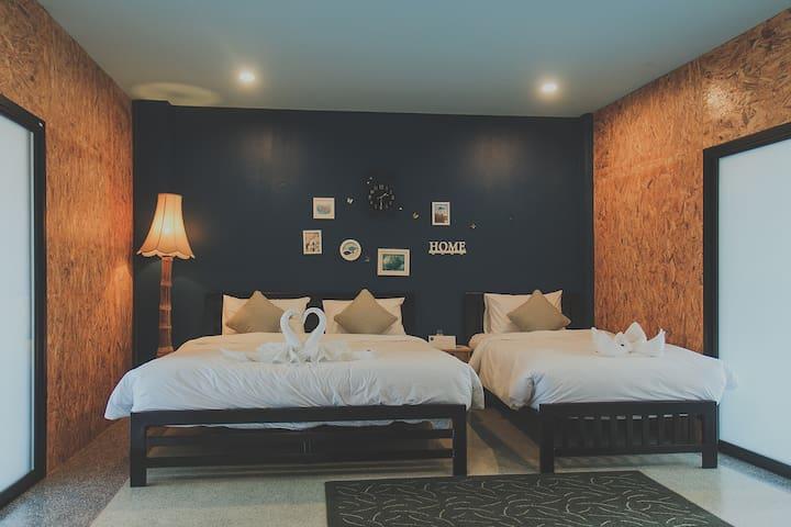 Chill Vibe Hostel : Deluxe Family Room