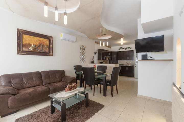 Beautiful home ready for your best vacation!!!