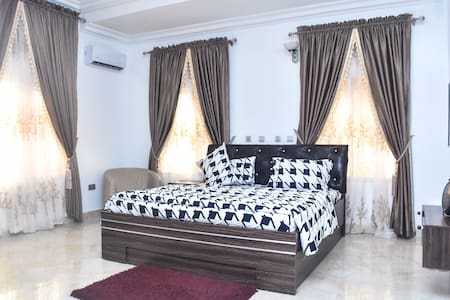 AMAZING Ensuite bed room with DOUBLE BED