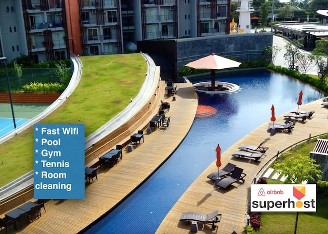 Large Pool View Furnished Resort Apt. - SuperHost