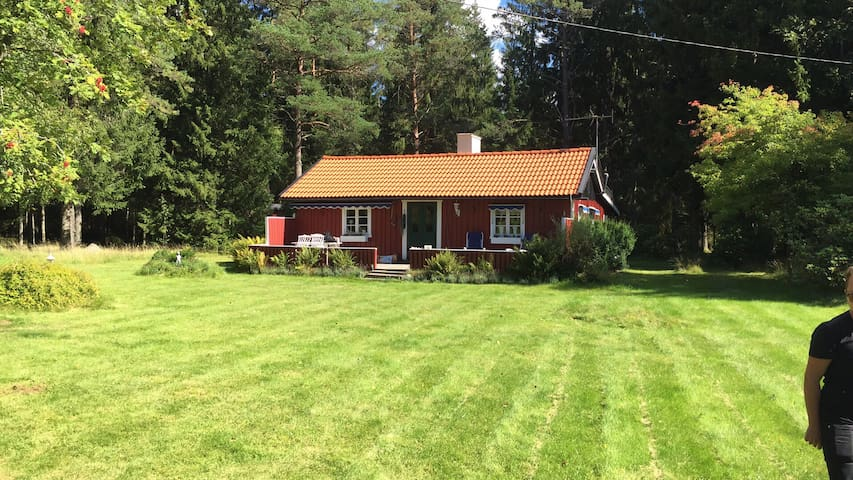 Cosy cabin with 3 bedrooms - Ringestena - House