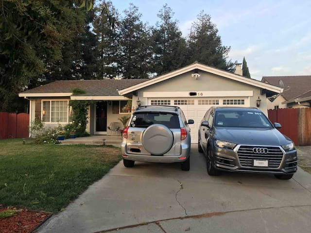 ★ Peaceful Comfy Home Away From Home  | 4BR/2BA ★