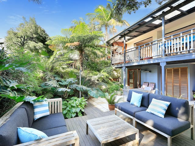 Self contained studio close to Sydney harbour