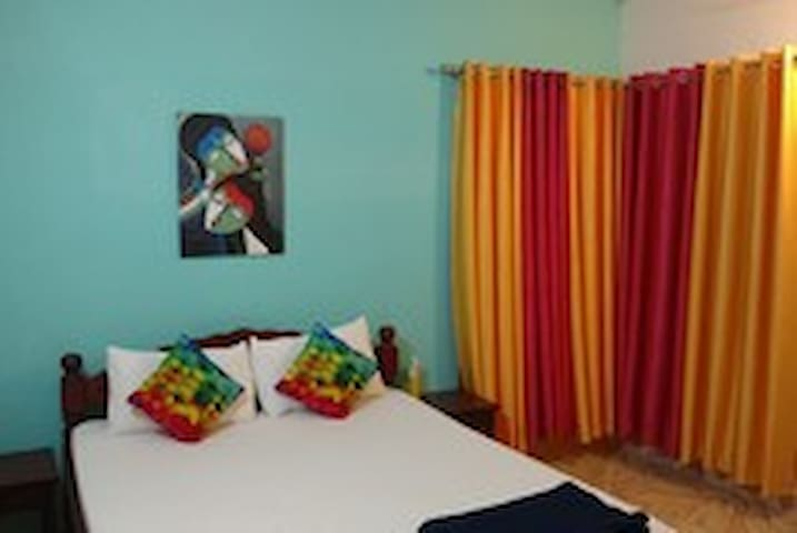 AC Deluxe Room for 2 person - Baga - Guesthouse